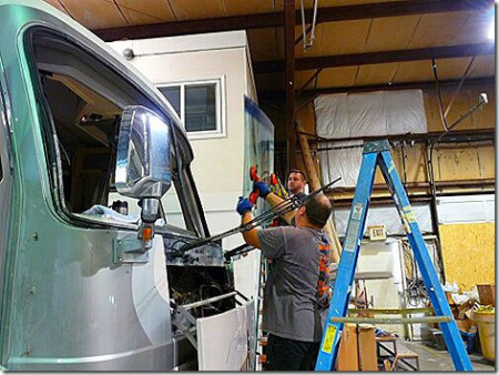 rv renovation, rv service, motorhome renovation, motorhome service, rv glass replacement, rv windshield replacement, motorhome windshield replacement